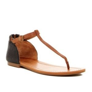 Lucky Brand 8.5M Ezzra T-Strap Flat Thong Sandals
